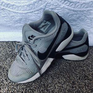 Nike Women's Air Pegasus size 8
